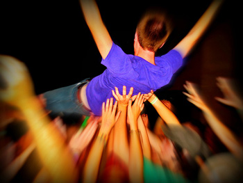 crowd surfing and social media risks